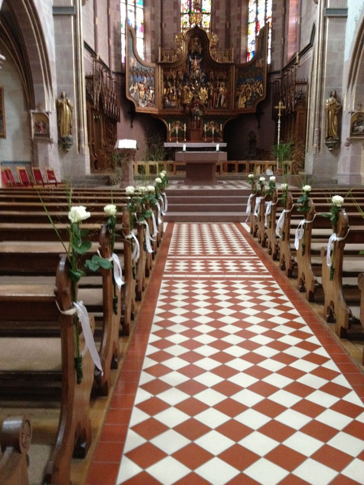 Blumenschmuck für die Hochzeitskirche | Blumengalerie ...
